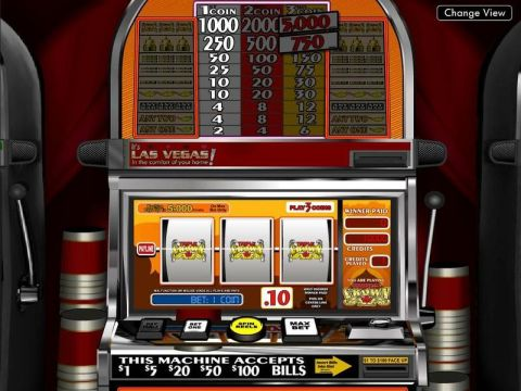 Triple Crown Fun Slots by BetSoft with 3 Reel and 1 Line